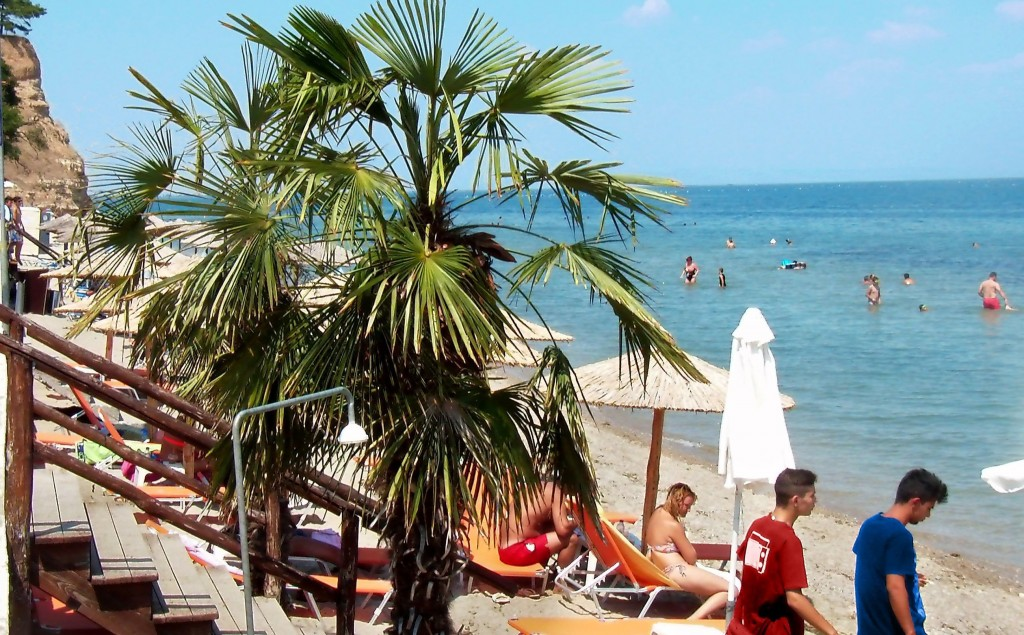 afrodite_beach_makrygialos_greece