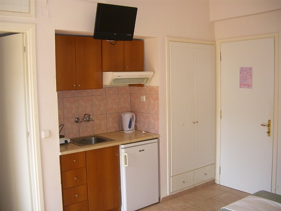 dimitris2-apartman-utazas-gorogorszag-keletkreta-tengerparti-nyaralas-andromedatravel