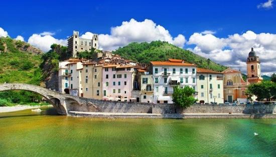 4utazas-franciariviera-olaszliguria-korutazas-andromeda-travel-dolceacqua